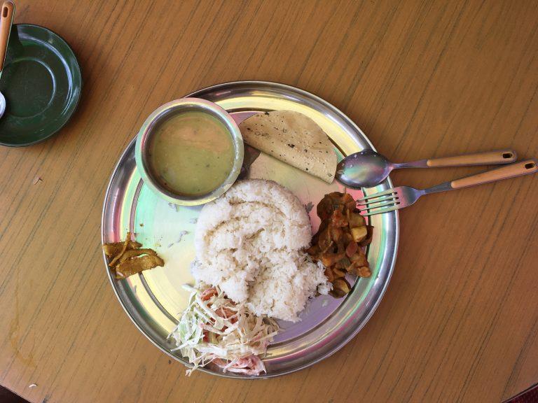Typisches nepalesisches Essen: Dal Bhat