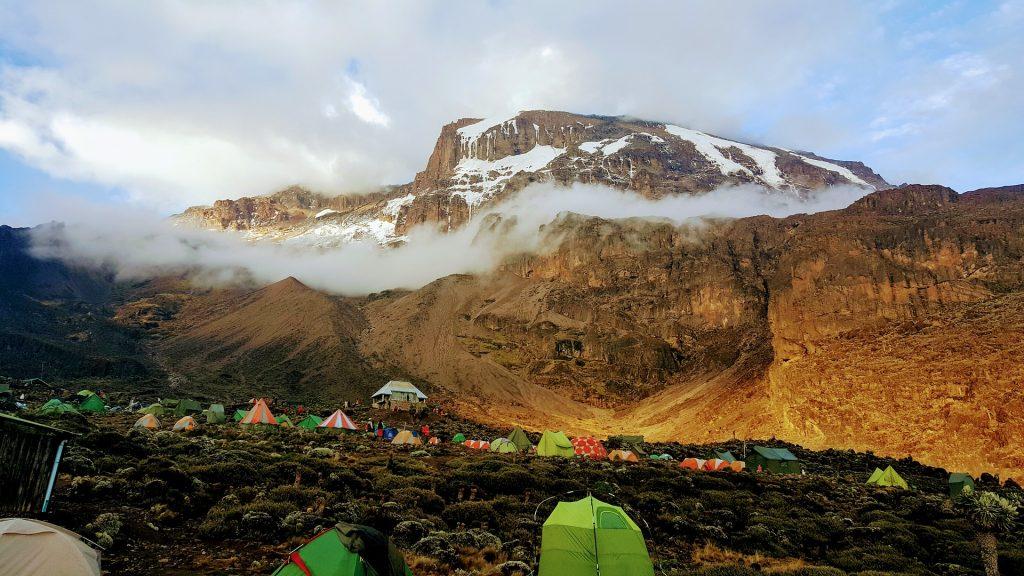 Camping während der Kilimandscharo Besteigung