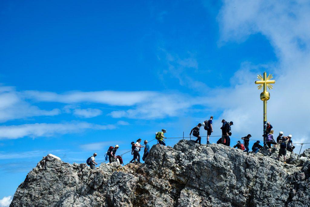summit-cross-3594090_1920